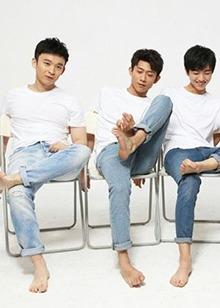 迷人!<B>王俊凯</B>刘昊然董子健张一山演绎今年流行的牛仔裤