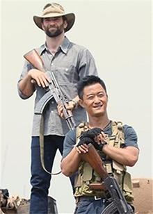 """《战狼2》激起民族自豪感 吴京化身超级英雄上演""""坦克大战"""""""